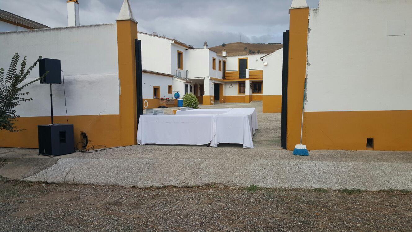 Ref 583 cortijo rural zona zalea promocionespered for Alquiler de viviendas